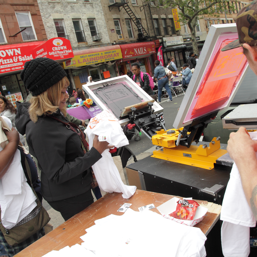 Screen Printing T-shirts live at Street Fair